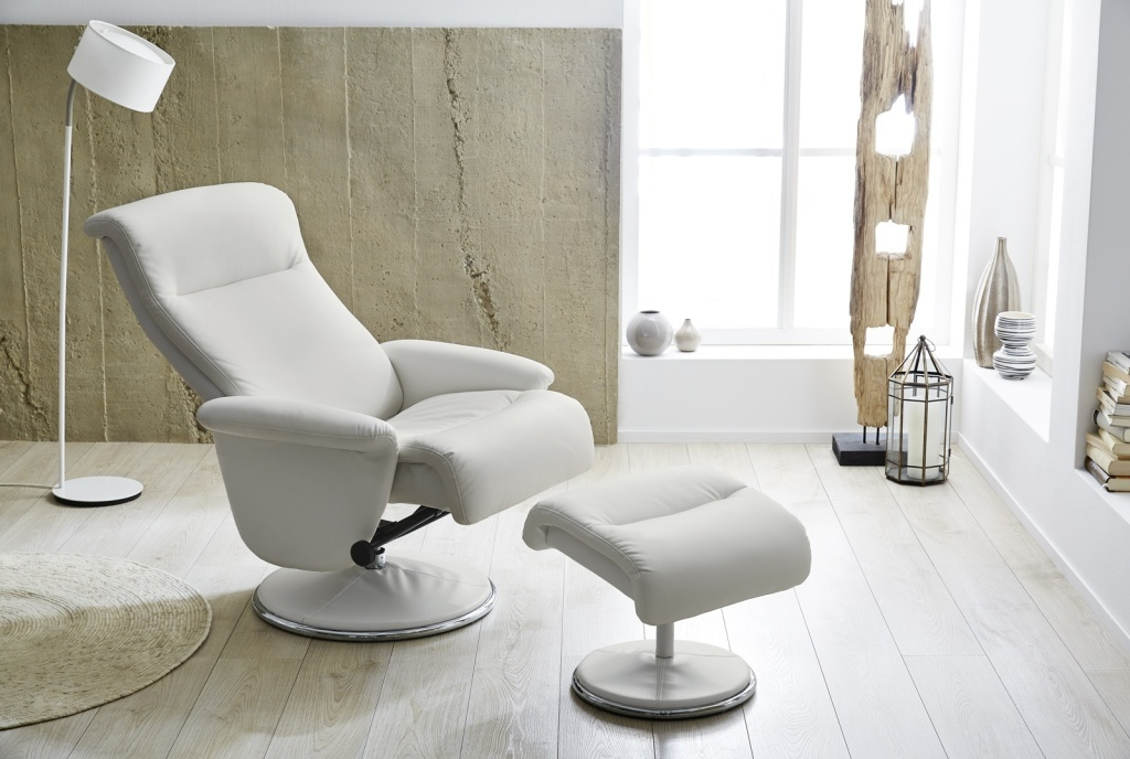 fauteuil relax avec repose pied ricarda ton blanc sb meubles discount. Black Bedroom Furniture Sets. Home Design Ideas